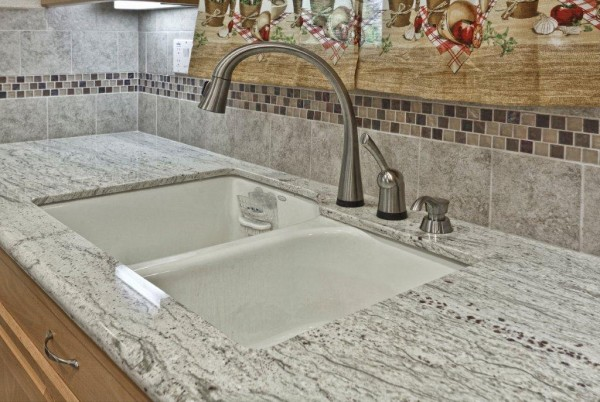 Sink, Faucest & Backsplash